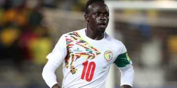Fans shower praises on Mane for carrying water bottles from Senegal bus