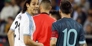 Suarez seperates Messi and Cavani 'combat' during Argentina vs Uruguay tie