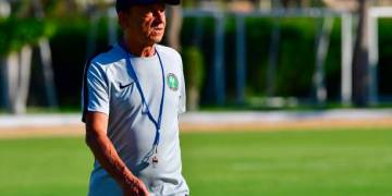 Ikpeba tells NFF to Extend Rohr's contract