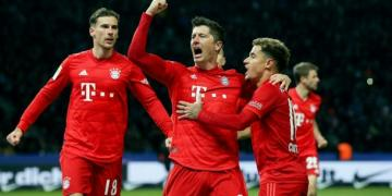 Bundesliga: Lewandowski strikes again as Bayern go second