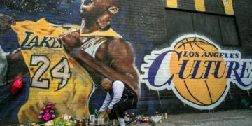 Kobe Bryant: Feds probe helicopter crash that killed NBA legend - Sporting Life