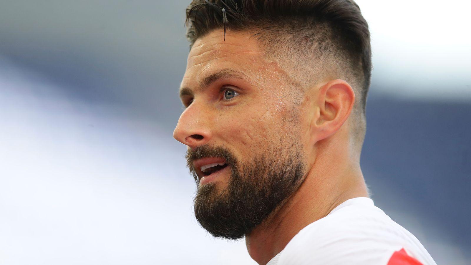 Giroud undergoing AC Milan medical ahead two-year deal