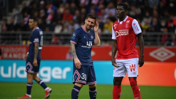 Debutant Messi sees 24 minutes action in PSG win