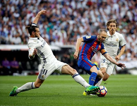 Iniesta almost left Barca in 2006... For Real Madrid!