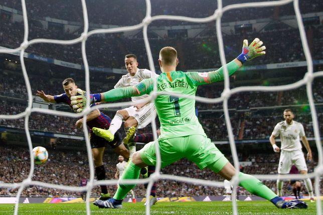 Valencia defeats Betis, will face Barcelona in Copa final — Debra Petti