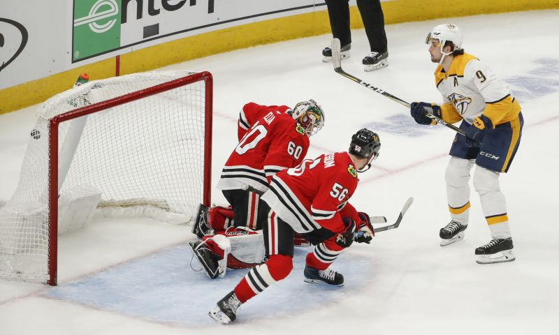 Forsberg scores two, Predators outlast Blackhawks in overtime — ProHockeyTalk