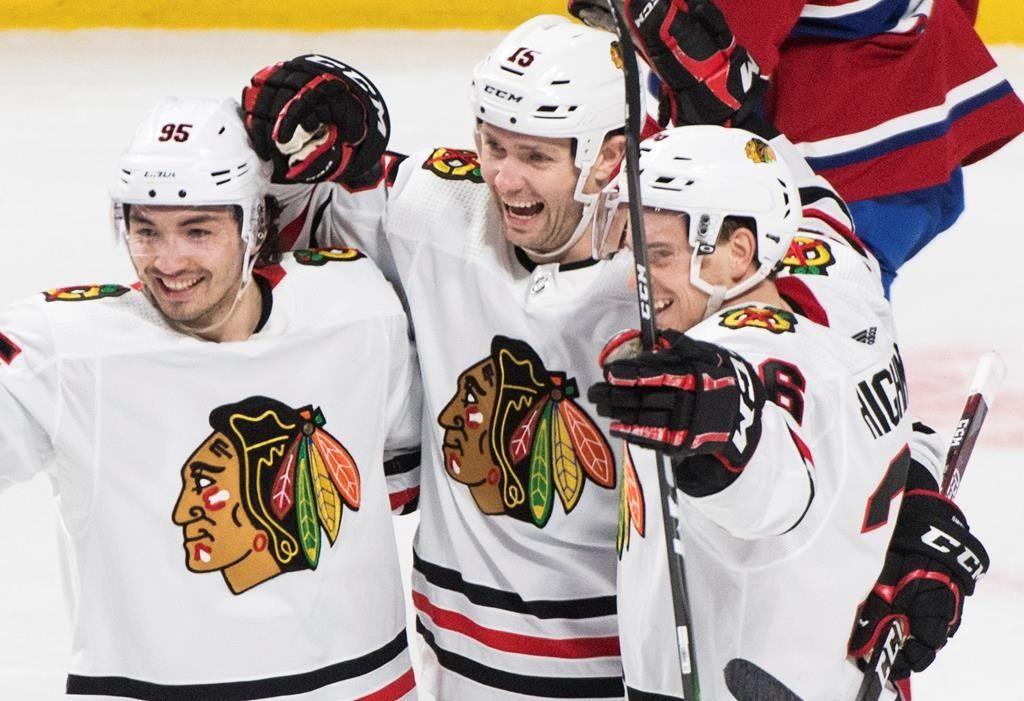 Zack Smith, Blackhawks beats Canadiens 4-1 —
