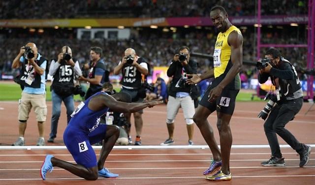 Bolt se despide sin el oro