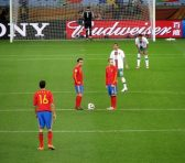 España supera a Italia con Isco como estrella de la noche