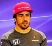 Fernando Alonso renueva su compromiso con McLaren