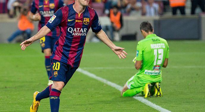 El Barcelona empata ante el Valencia en Mestalla con polémica incluida