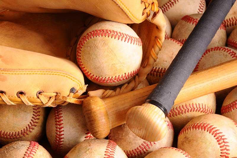 Best Baseball Bags – Buyer's Guide