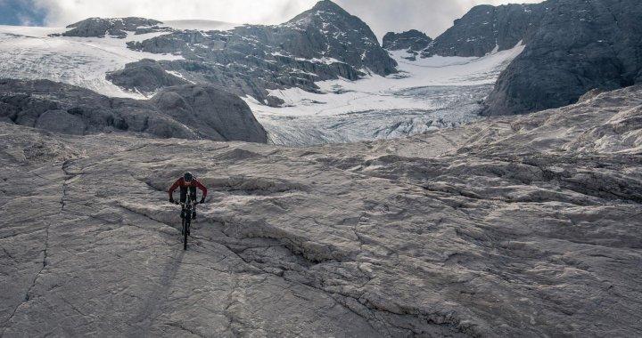 En vidéo – La session vertigineuse de Kilian Bron dans les Dolomites