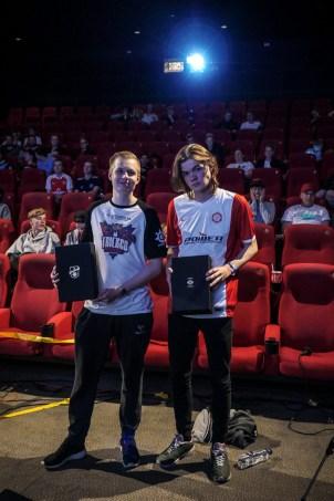 Pilm og MJ efter sejren til Coolshop Cup.