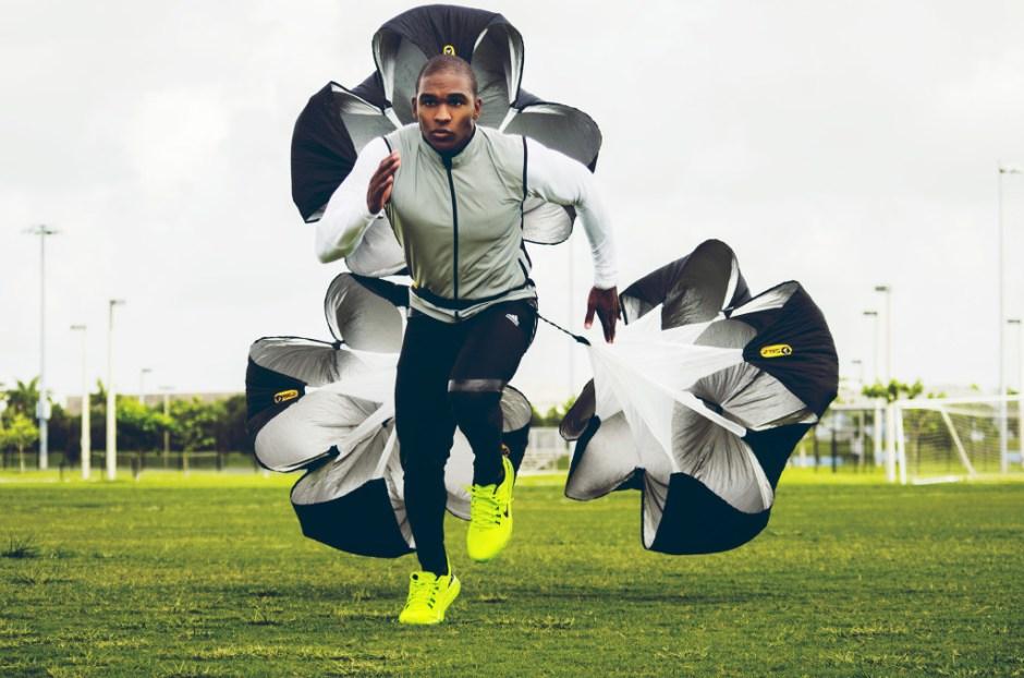 spadochron jako dodatkowe obciążenie podczas treningu
