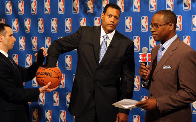 Report NBA exec Jackson eyeing return to a team front