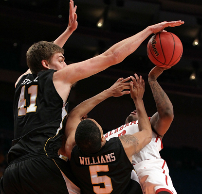 https://i0.wp.com/sports.cbsimg.net/u/photos/basketball/college/img14885183.jpg