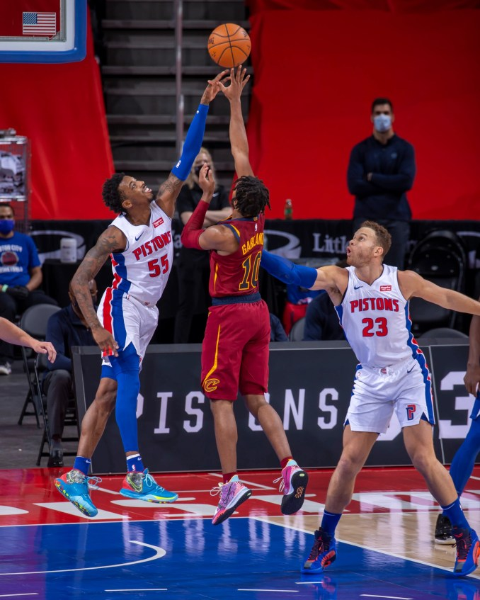 Cavs down Pistons in double OT thriller, Sixers rout Knicks