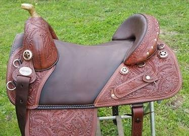 DARK OILED Oak Leaf Wrangler Trail Saddle