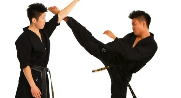 How to Do the Face Block Technique in Taekwondo