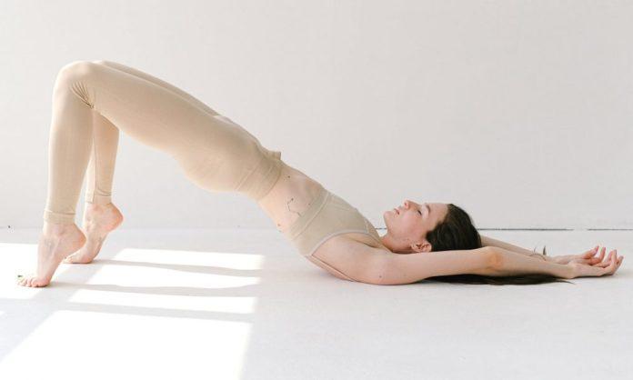 How to Do a Pelvic Tilt Abs Workout