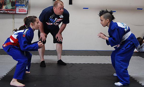 Men and women can learn Brazilian Jiu Jitsu
