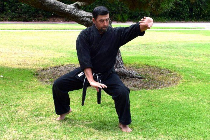Wide Kneel Stance