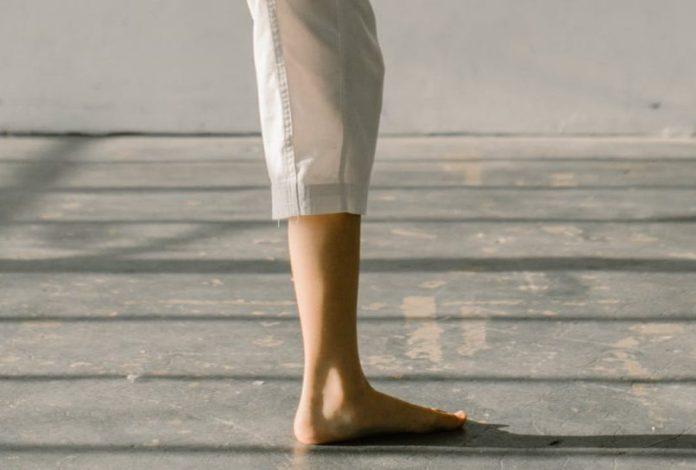 The Non-Kicking Leg