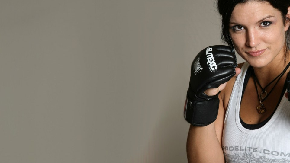 Gina Carano published her nude photo and ran into criticism of the famous coach. And received criticism from the famous coach