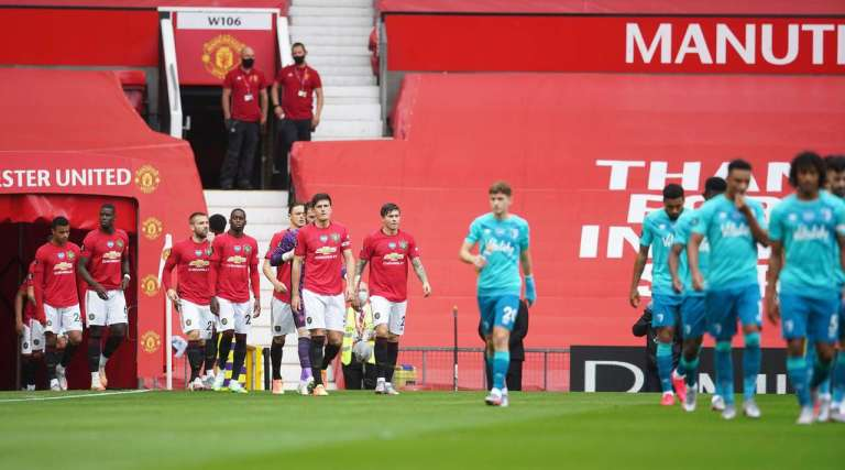 Manchester United defeated Bournemouth. Details and photos from the match.