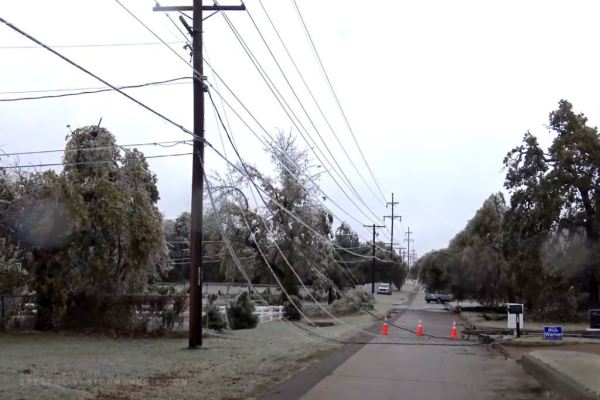 USA weather. Ice storm de-energized about 400 thousand homes in Oklahoma and Texas