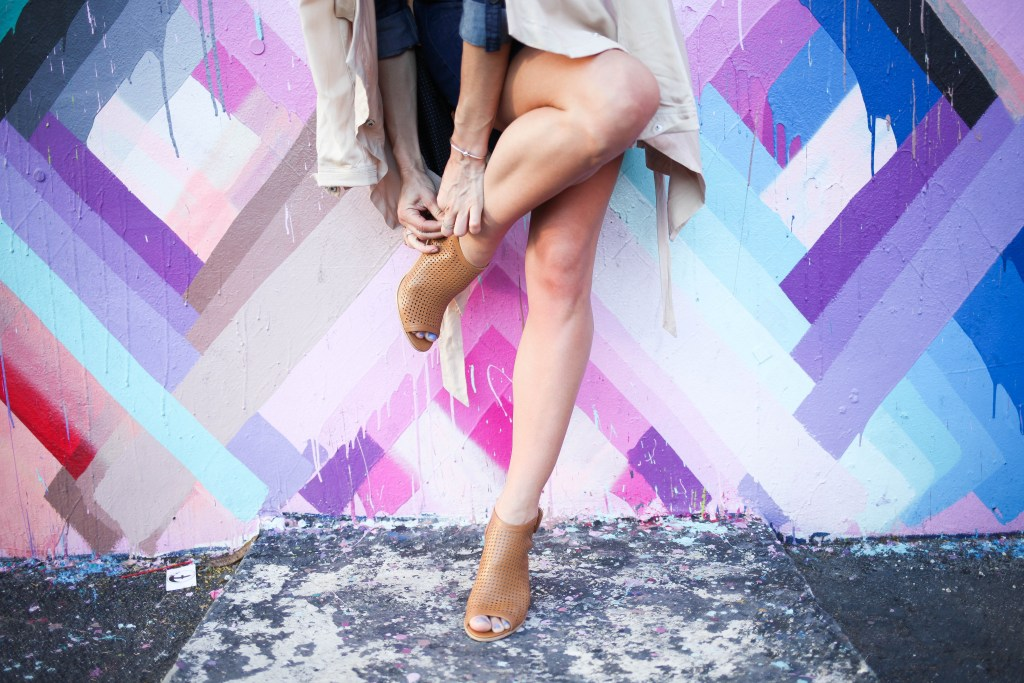 Suzy by Steve Madden, Jack by BB Dakota Dark Denim Shirt Dress, Thread and Supply Chambray Trench Coat, Miami Wynwood Walls, Chicago Fashion Blogger