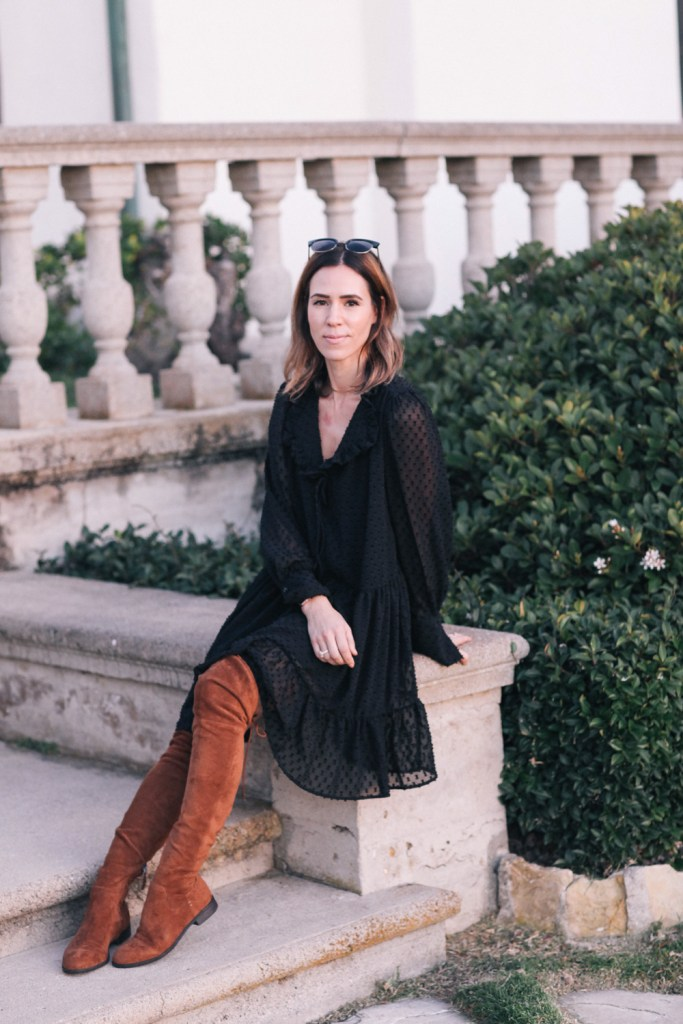 Blogger Mary Krosnjar wearing H&M Wrap Dress