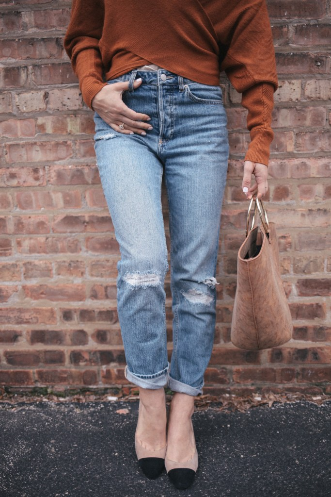 Blogger Mary Krosnjar wearing H&M boyfriend denim and Ivan Trump Block Heels