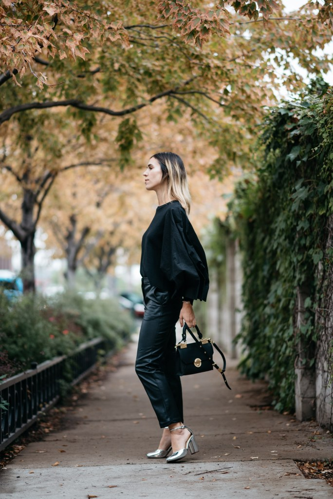 Blogger Mary Krosnjar wearing H&M faux leather pants and Who What Wear collection shoes