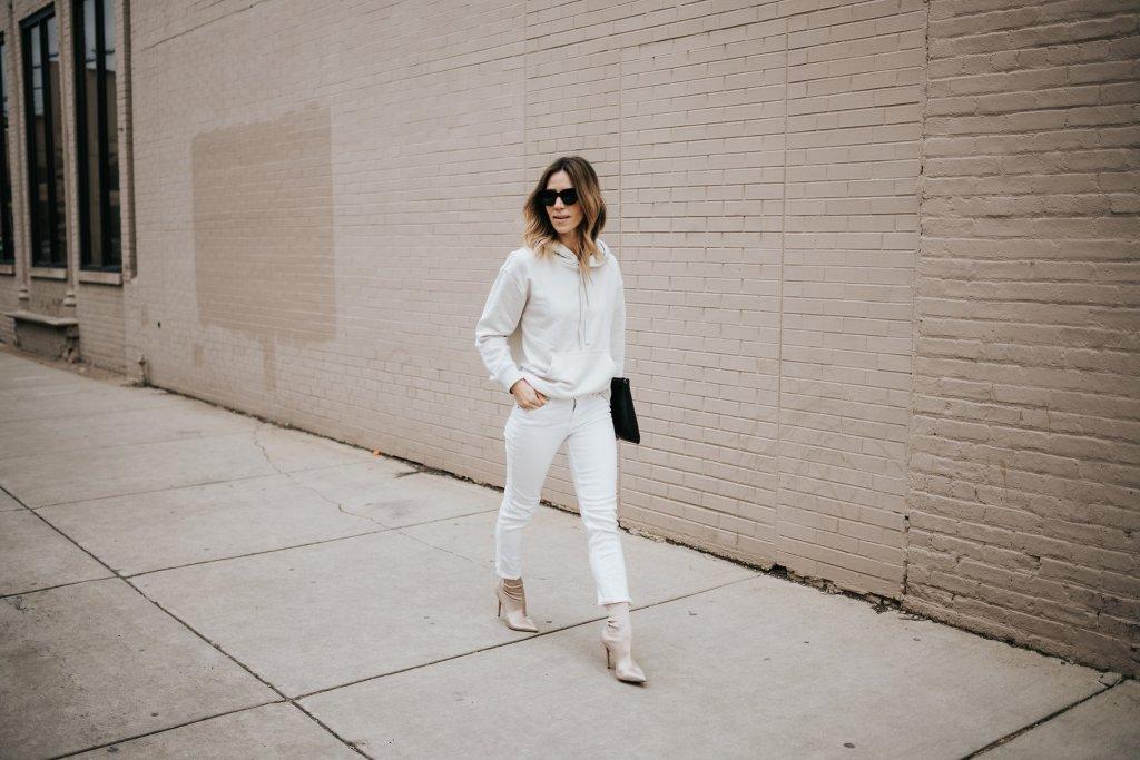 Blogger Mary Krosnjar Styling Sweatshirts for Spring