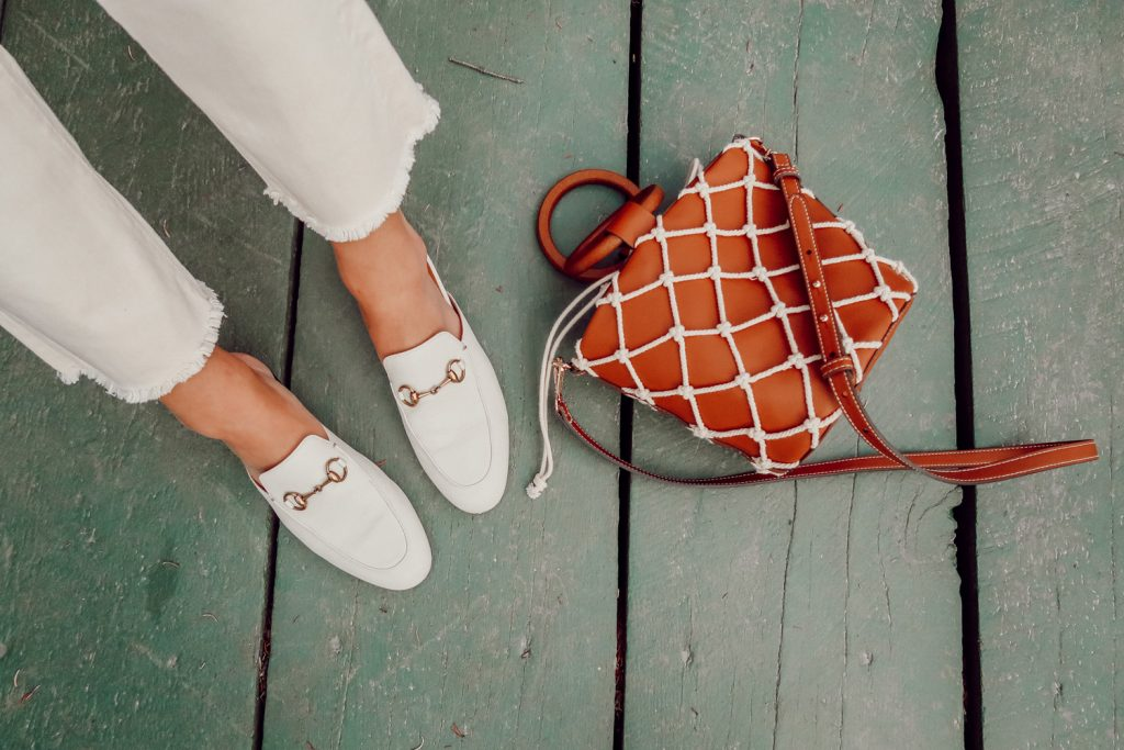 Blogger Mary Krosnjar wearing Gucci Mules and Mango Net Bag
