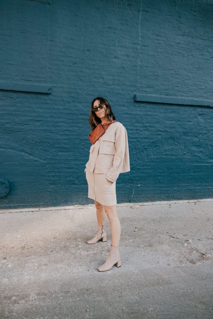 Seattle Fashion Blogger Sportsanista sharing how to style neutral tones for spring and neutral twin set