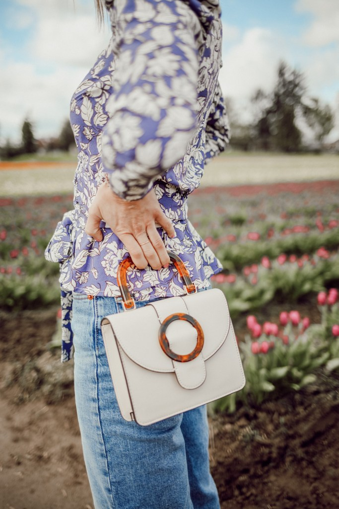 Seattle Fashion Blogger Sportsanista wearing Topshop Capri Buckle Crossbody Bag