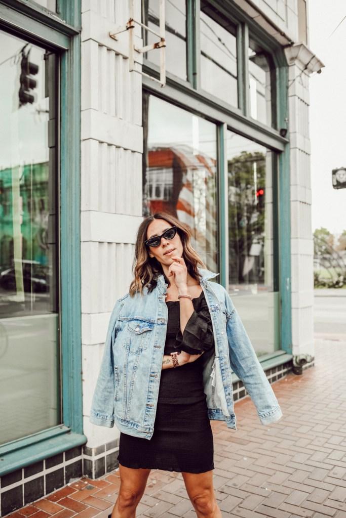 Seattle Fashion Blogger wearing Levi's BAGGY TRUCKER DENIM JACKET and Black Cat Eye Sunglasses