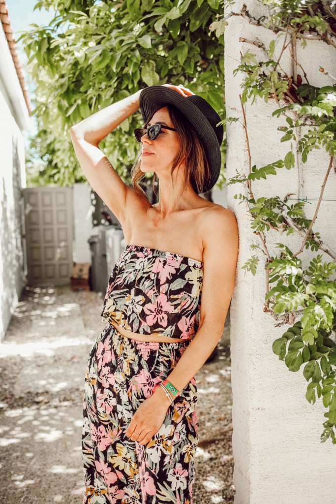 Seattle Fashion Blogger Sportsanista wearing Floral Twin Set. Two piece set under $100 for warm weather.