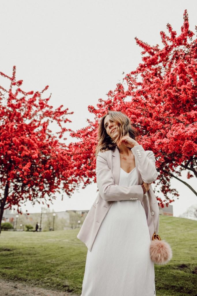 Seattle Fashion Blogger Sportsanista sharing my favorite white dresses for spring