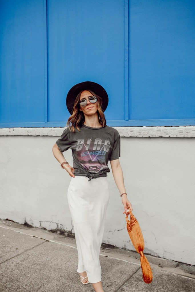 Seattle Fashion Blogger wearing Anine Bing tee and Mirrored Silver Aviators