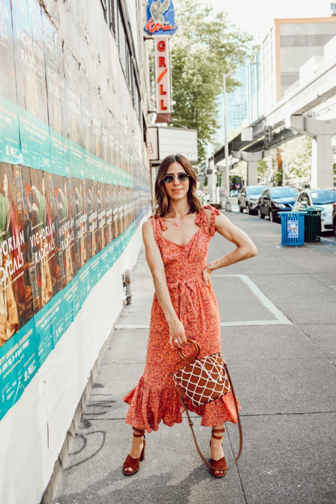 Seattle Fashion Blogger Sportsanista wearing J.Crew Button-front midi dress with ruffle hem in soft rayon and Net Tote for Summer