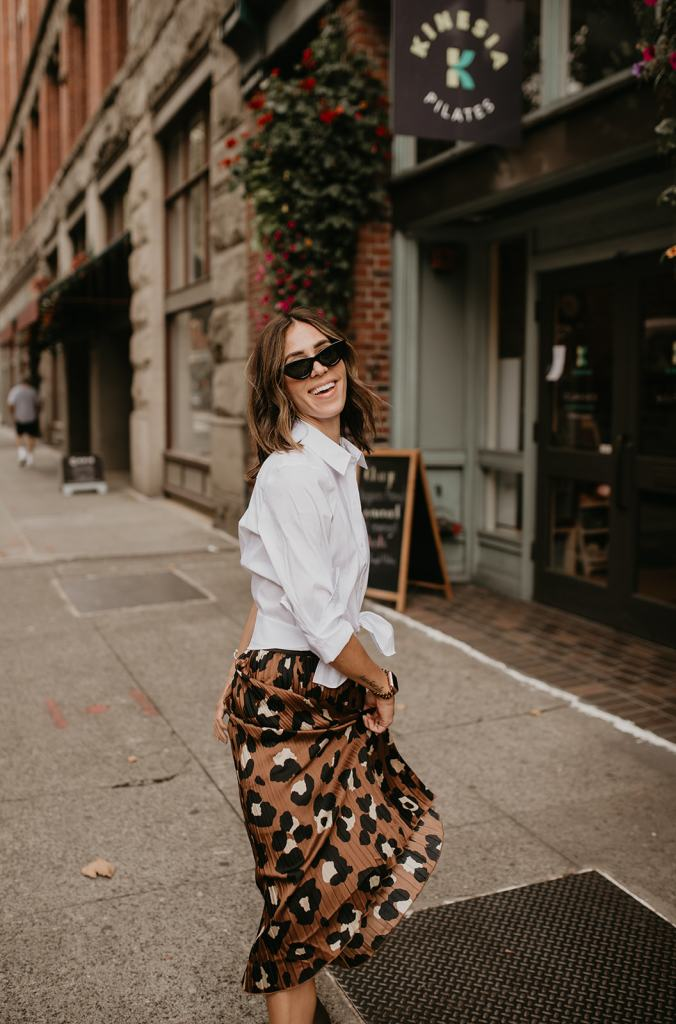 Seattle Fashion Blogger sharing workwear outfit inspiration for fall