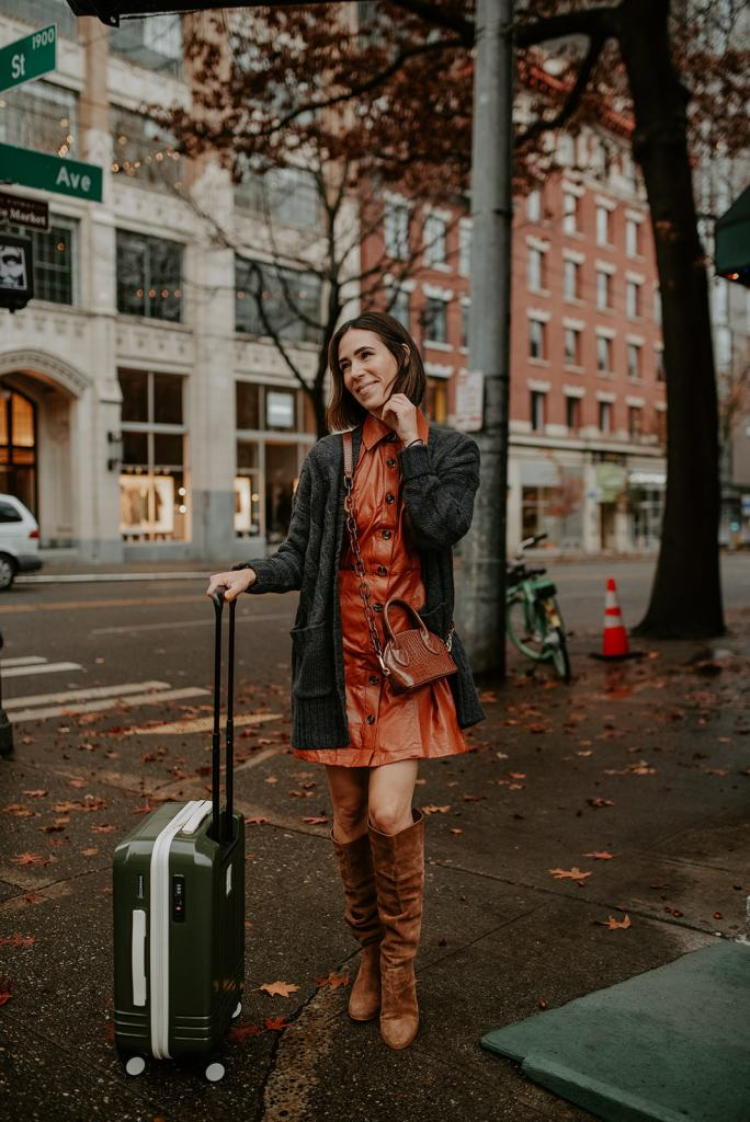 Seattle Fashion Blogger sharing Thanksgiving Outfit Ideas