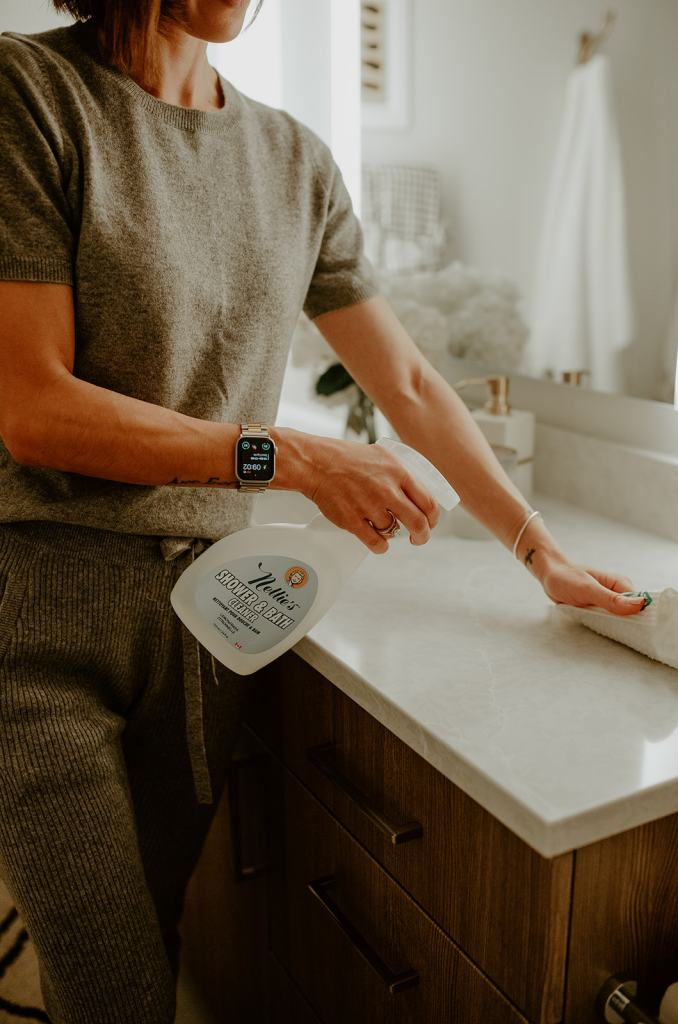 Seattle Blogger Sportsanista sharing the best clean household products