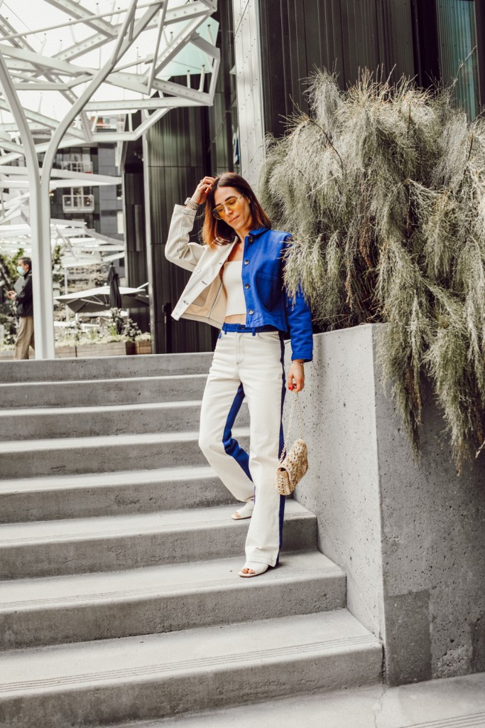 Blogger Mary Krosnjar styling denim jacket and jeans for spring look
