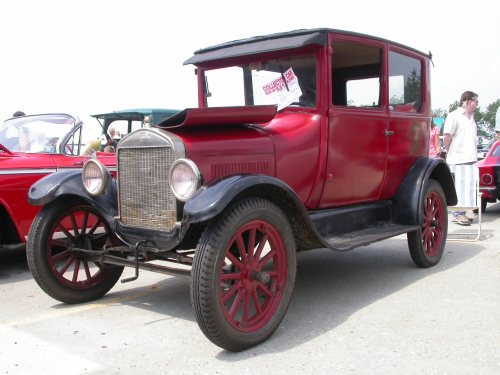 small resolution of ford model t 100 year old car