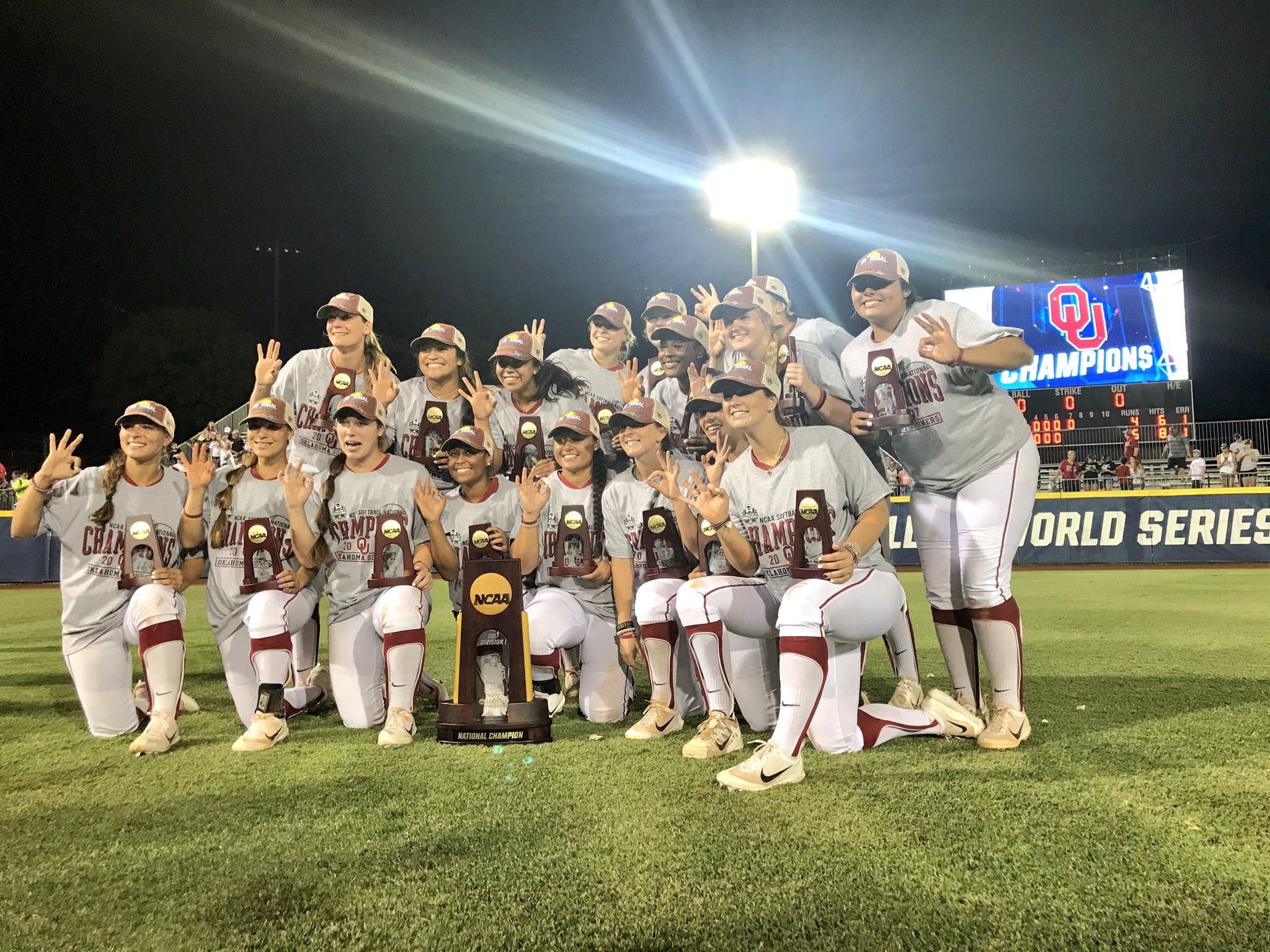 outlet store 38807 d4353 Oklahoma Sooners Capture Second Straight Softball Title ...